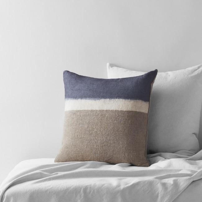 Dransfield and Ross Colorline Pillow
